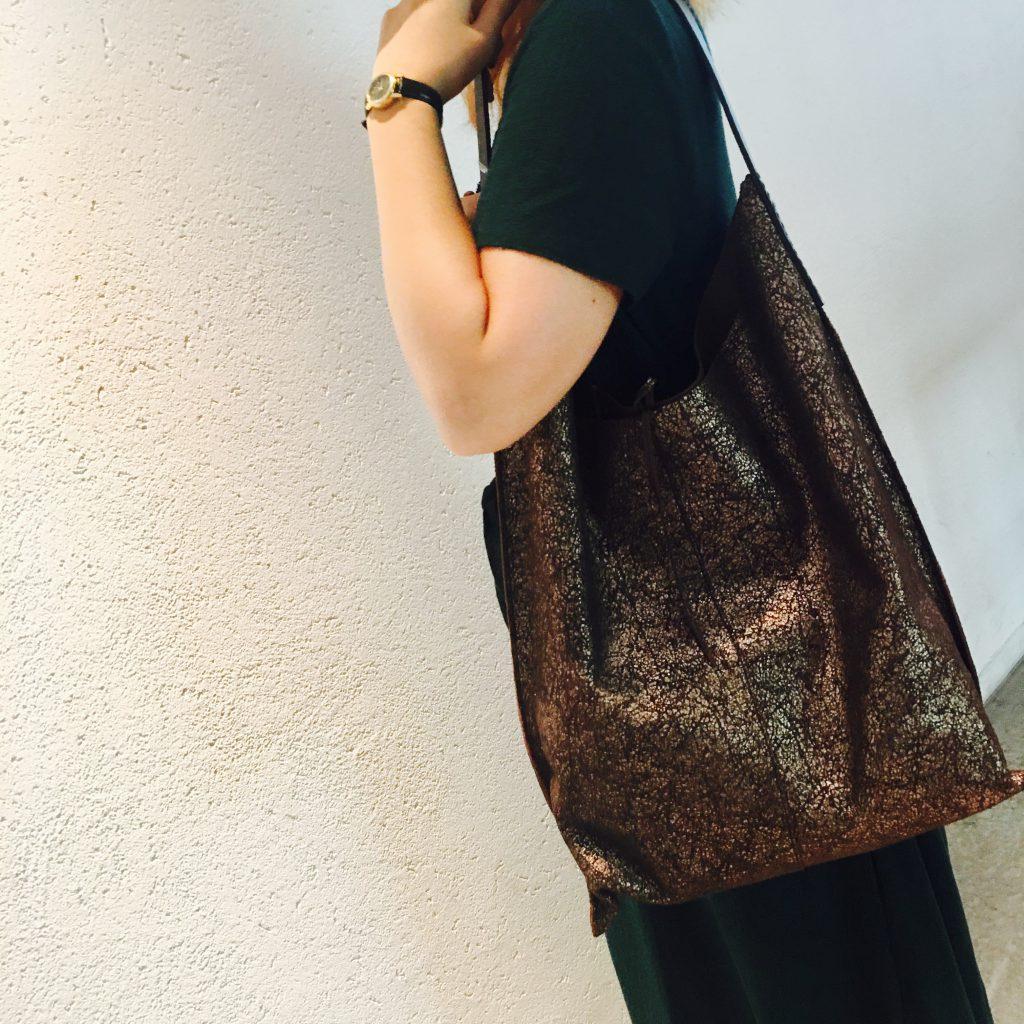 スクラップブック 渋谷 イコット バッグ bagトートバッグ A4 通勤用 牛革