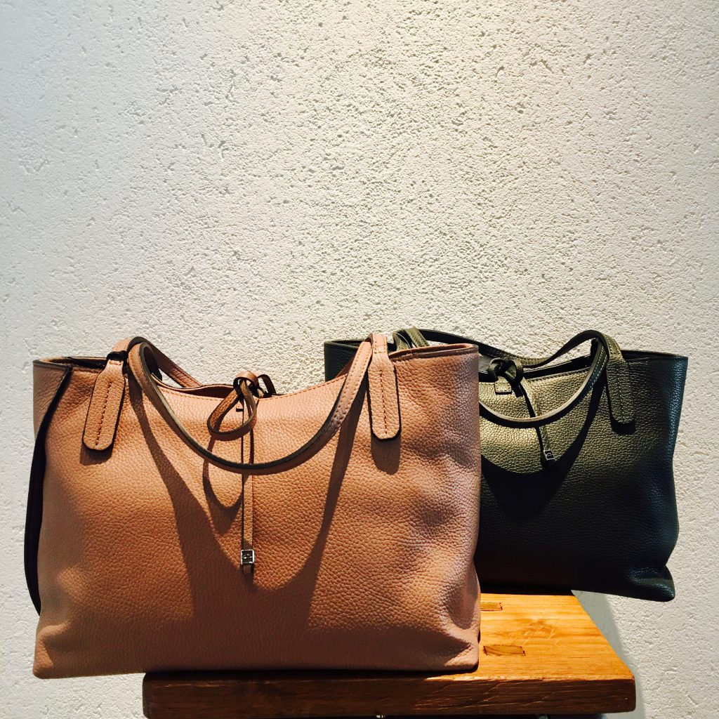 スクラップブック 渋谷 bag バッグ ジャンニキャリーニ