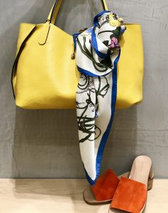 ScrapBook atneK スクラップブック アトネック 有楽町マルイ スカーフ scarf 花柄 星 スター 春小物 春 可愛い 可愛いスカーフ