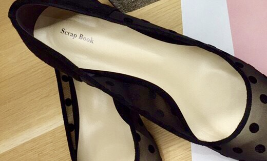 Scrap Book スクラップブック 有楽町マルイ 可愛い ローヒールパンプス パンプス メッシュパンプス ドットパンプス ドットメッシュパンプス 日本製 日本職人 日本ブランド インソールクッション 歩きやすいパンプス 透け感