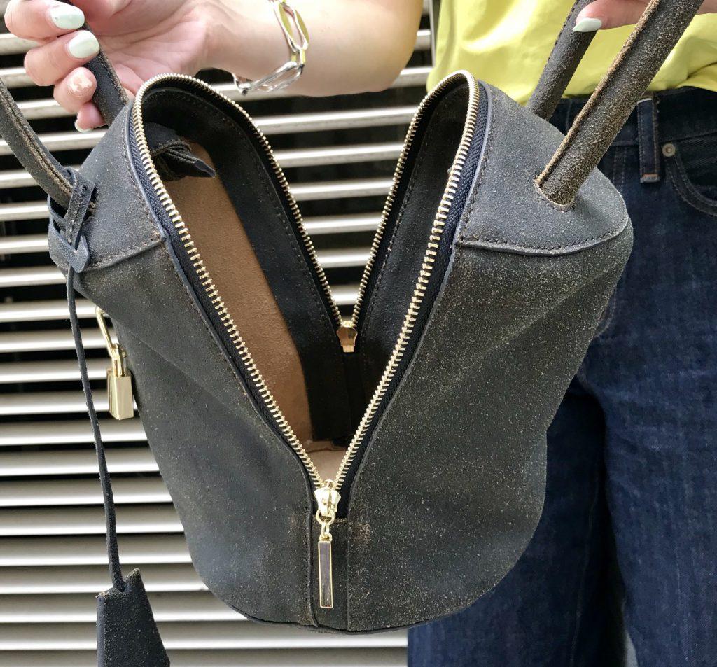 atneK Scrap Book アトネック スクラップブック 有楽町マルイ 可愛い leather bag レザーバッグ 日本ブランド キー付きバッグ 筒型バッグ