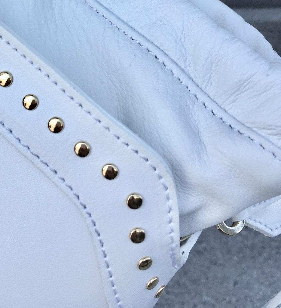 CHRISTIAN VILLA クリスチャン ヴィラ Scrap Book スクラップブック 有楽町マルイ 可愛い ホワイト White ショルダーバッグ shoulder bag 巾着 スタッズ タッセル