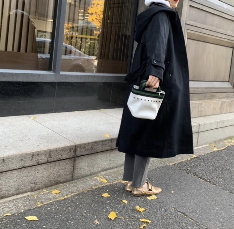 atneK Scrap Book スクラップブック アトネック 有楽町マルイ 可愛い レザーミニバッグ leather mini bag クラッキングレザー ハトメ 舟型バッグ 日本ブランド セールバッグ SALE 独占販売