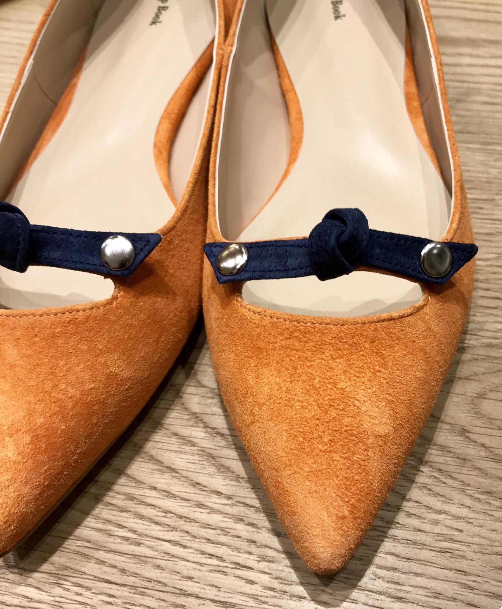 Scrap Book スクラップブック 有楽町マルイ アトネックバイ 可愛い 日本製 神戸の靴職人 日本ブランド ミキリ レザーパンプス フラットパンプス pumps インソールクッション 指付け根見えるデザイン bi-color リボンパンプス ローヒールパンプス ピッグレザー
