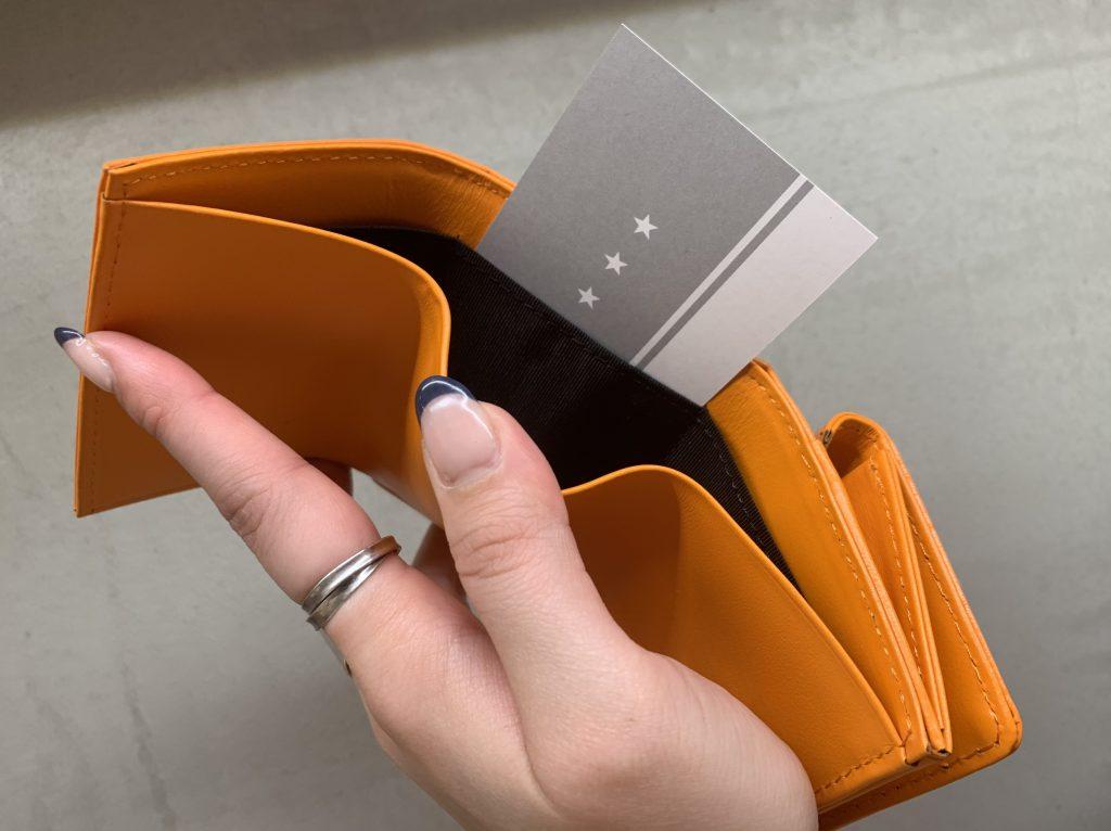 Scrap Book 有楽町マルイ 可愛い スクラップブック アトネックバイスクラップブック 日本ブランド 三つ折り財布 ミニ財布 Tri-fold wallet 牛革 型押し グレー gray ブラック Black オレンジ orange 星 スター stir