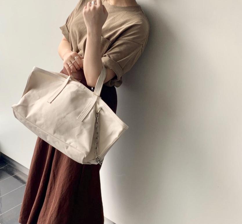 atneK Scrap Book スクラップブック アトネック 有楽町マルイ 可愛い  ハンドバッグ handbag tote bag トートバック chain チェーン 横長 使いやすい 珍しくデザイン