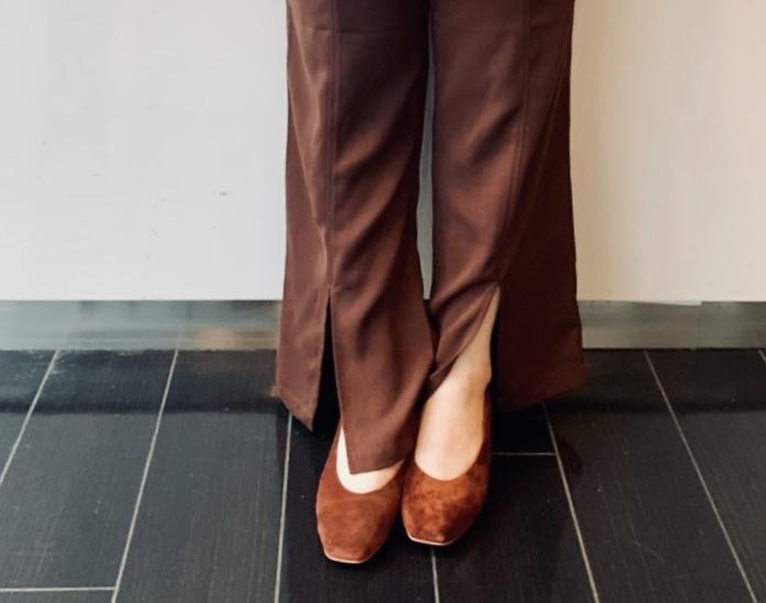 Scrap Book スクラップブック アトネックバイスクラップブック 有楽町マルイ 可愛い original shoes pumps スクエア スクエアトゥ 日本ブランド 日本製 履きやすい しっかり履ける かかと切り替え スエード suède