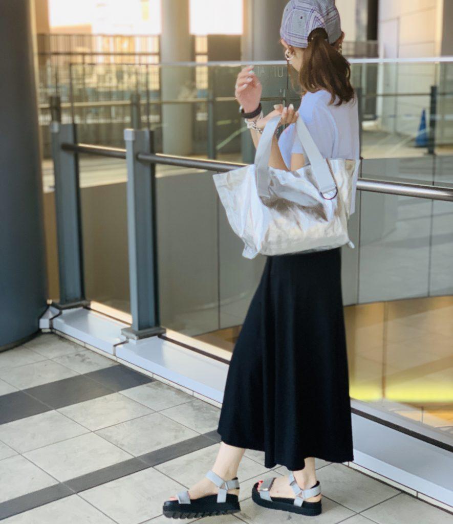 スクラップブック 渋谷 ヒカリエ bag バッグ トートバッグ ナイロンバッグ 軽め シルバー