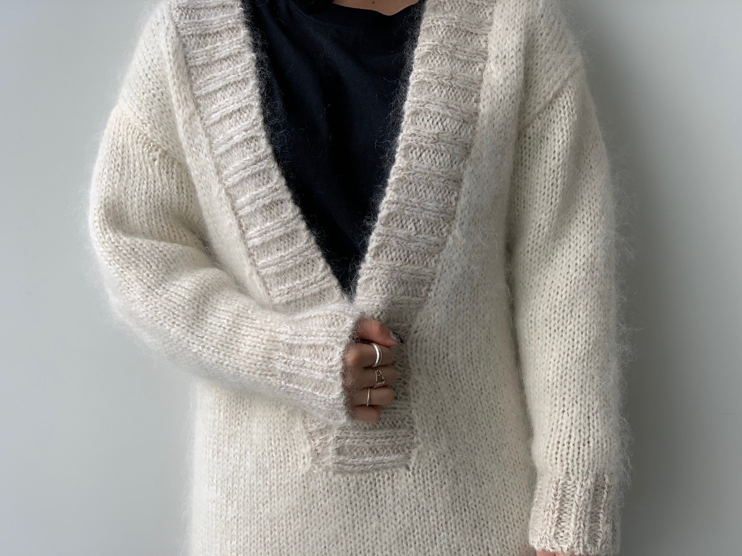 ScrapBook スクラップブック 有楽町 有楽町マルイ 5-knot ファイブノット Vネック セーター 白 可愛い カジュアル かっこいい きれい 暖かい すっきり 日本製 ラフ フェミニン