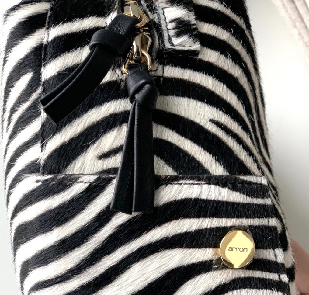 arron アローン ScrapBook スクラップブック 有楽町 有楽町マルイ 可愛い shoulder bag ショルダーバッグ zebra ゼブラ レオパード leopard ヒョウ柄 斜め掛けバッグ 肩がけバッグ 正方形