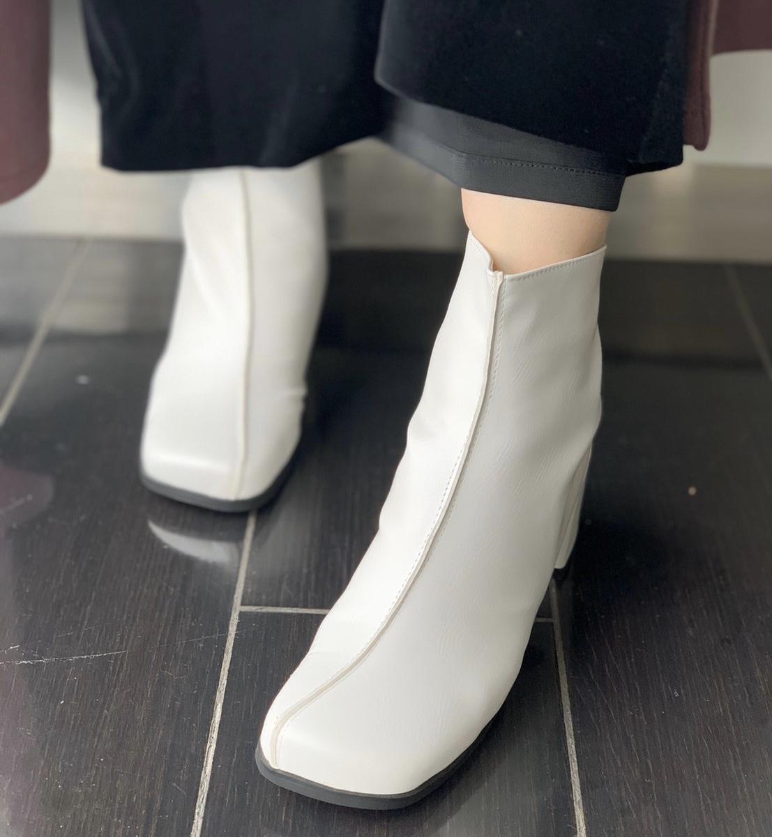 ScrapBook スクラップブック 有楽町 有楽町マルイ ブーツ boots スクエア チャンキーヒール ホワイト ブラック 合皮ブーツ 履きやすい