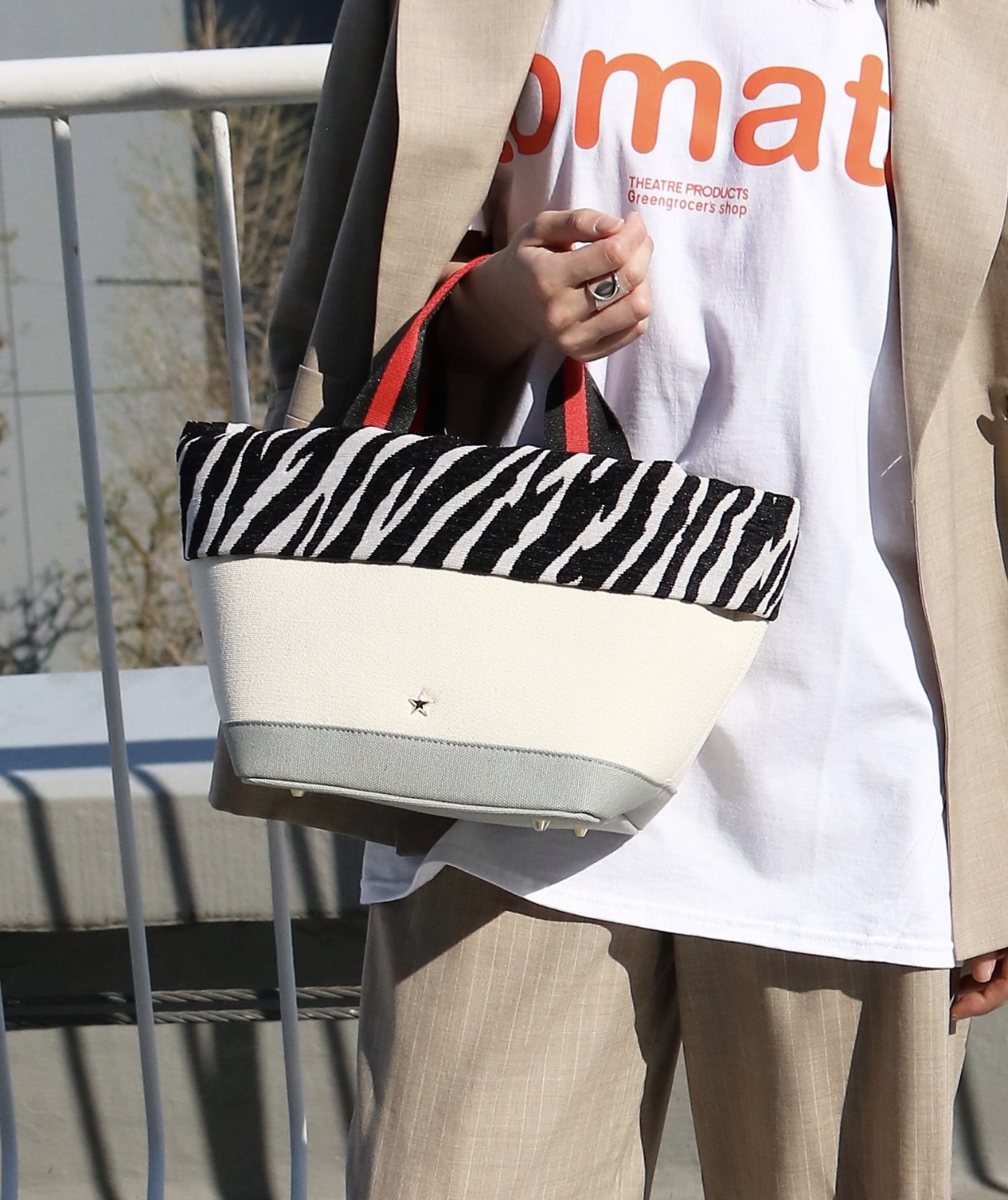 Scrap Book atneK スクラップブック アトネック キャンバスバッグ ゼブラ柄 星スタッズ ストライプ 底鋲付き トートバッグ ハンドルバッグ 日本ブランド カジュアルスタイル