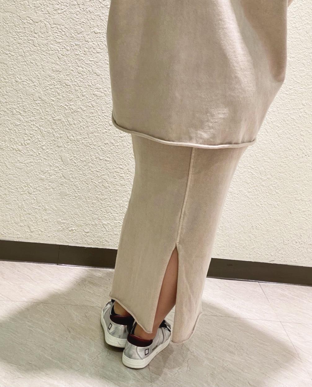 Scrap Book スクラップブック 横浜 LUMINE ルミネ横浜 セットアップ可能 可愛い ベージュ ブラック 切りっぱなし キーネック ペンシルスカート タイトスカート こなれ感 ヴィンテージ感 リュクス リラクシー